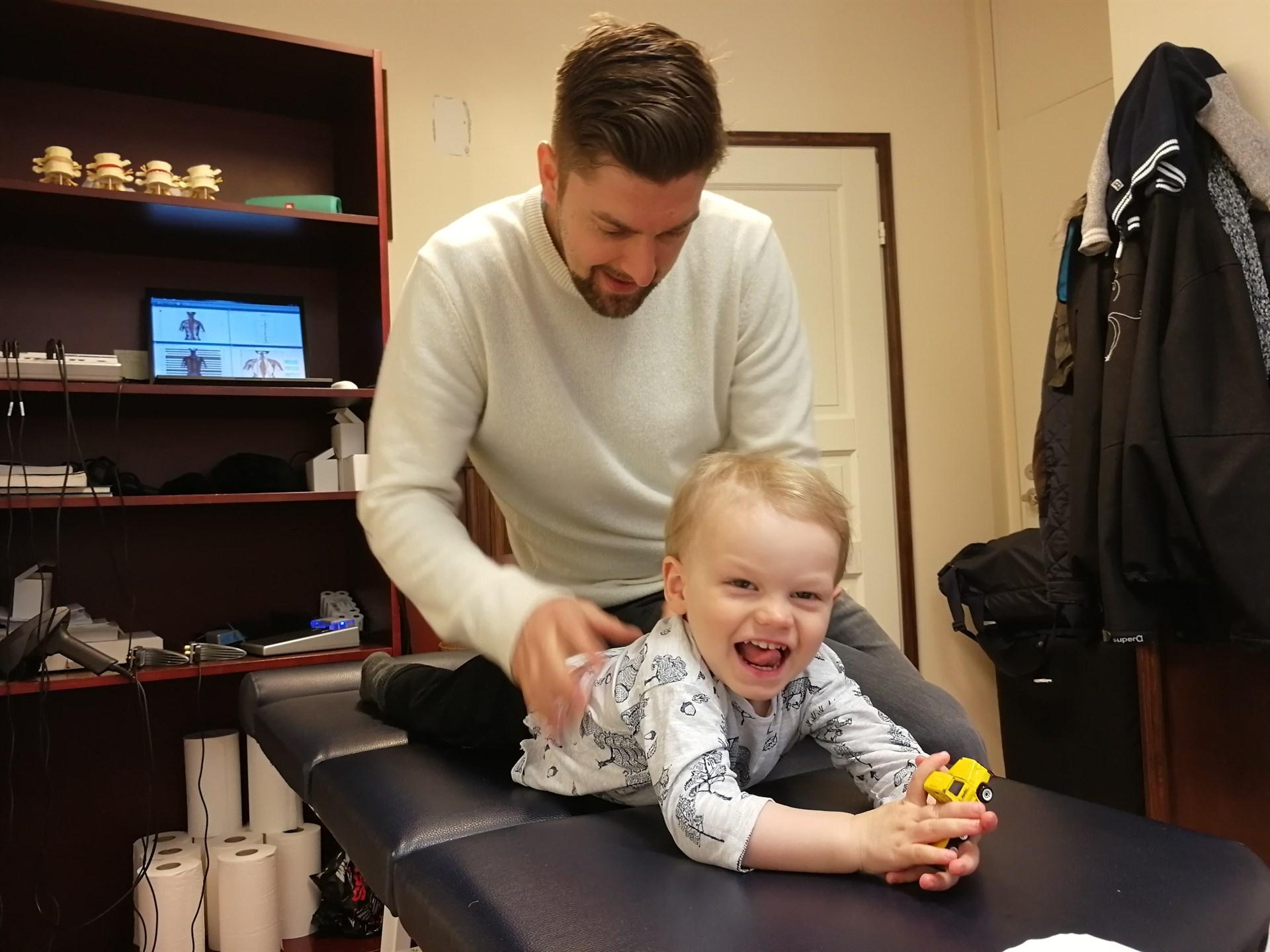 kiropraktikko lapsi yökastelu