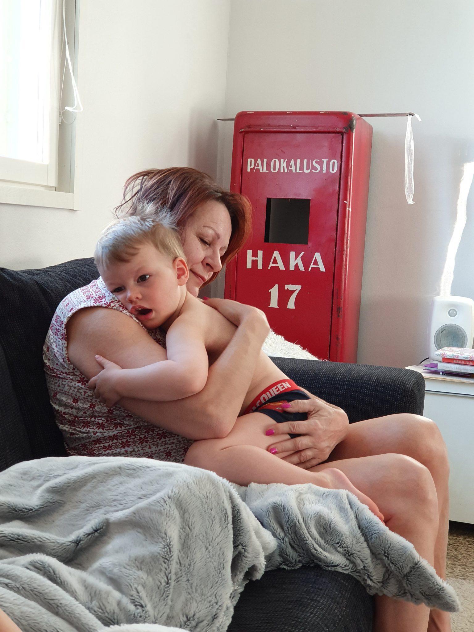 Mummo ja Mio pääsiäinen