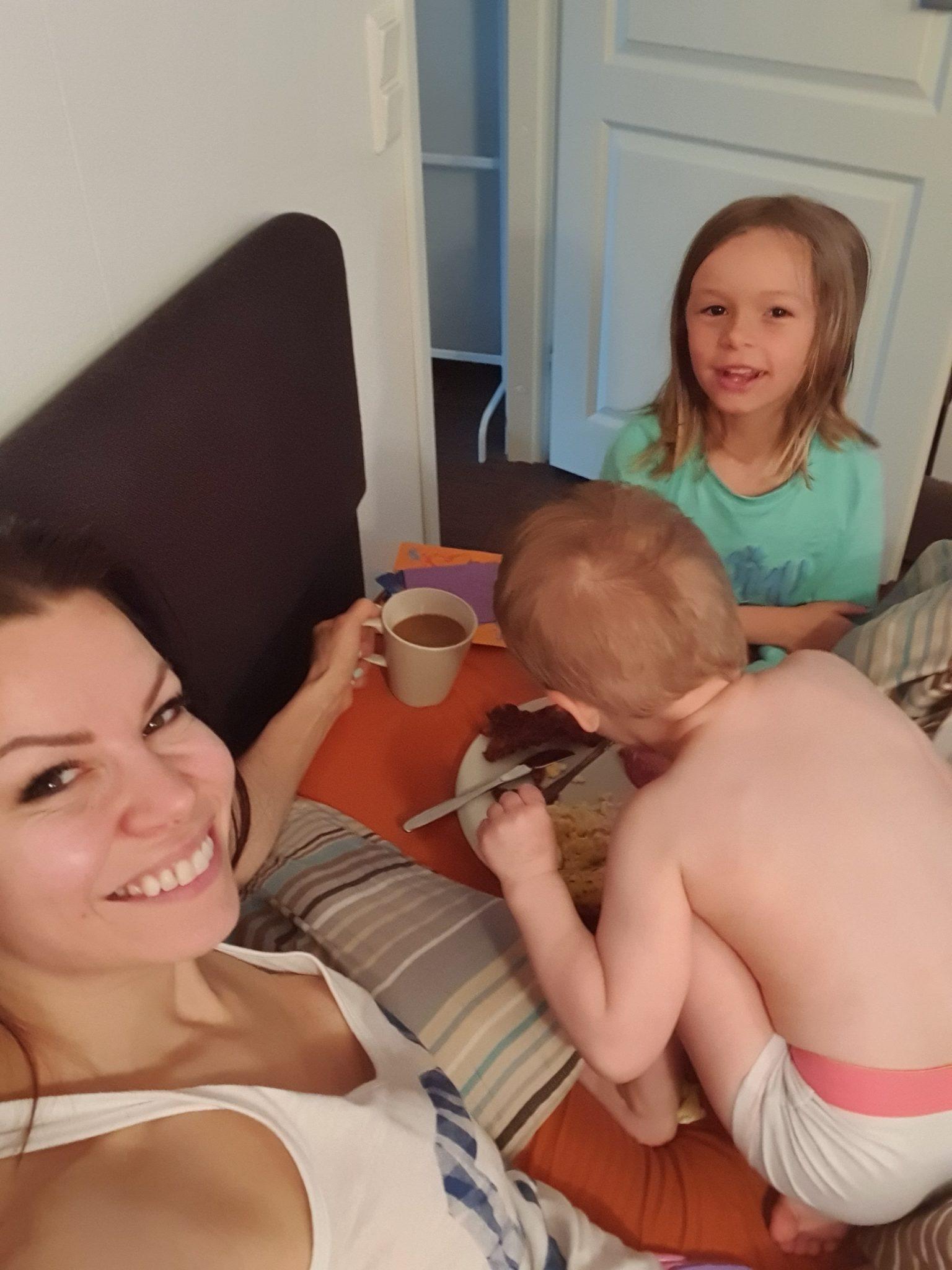 Aamupala äitienpäivä