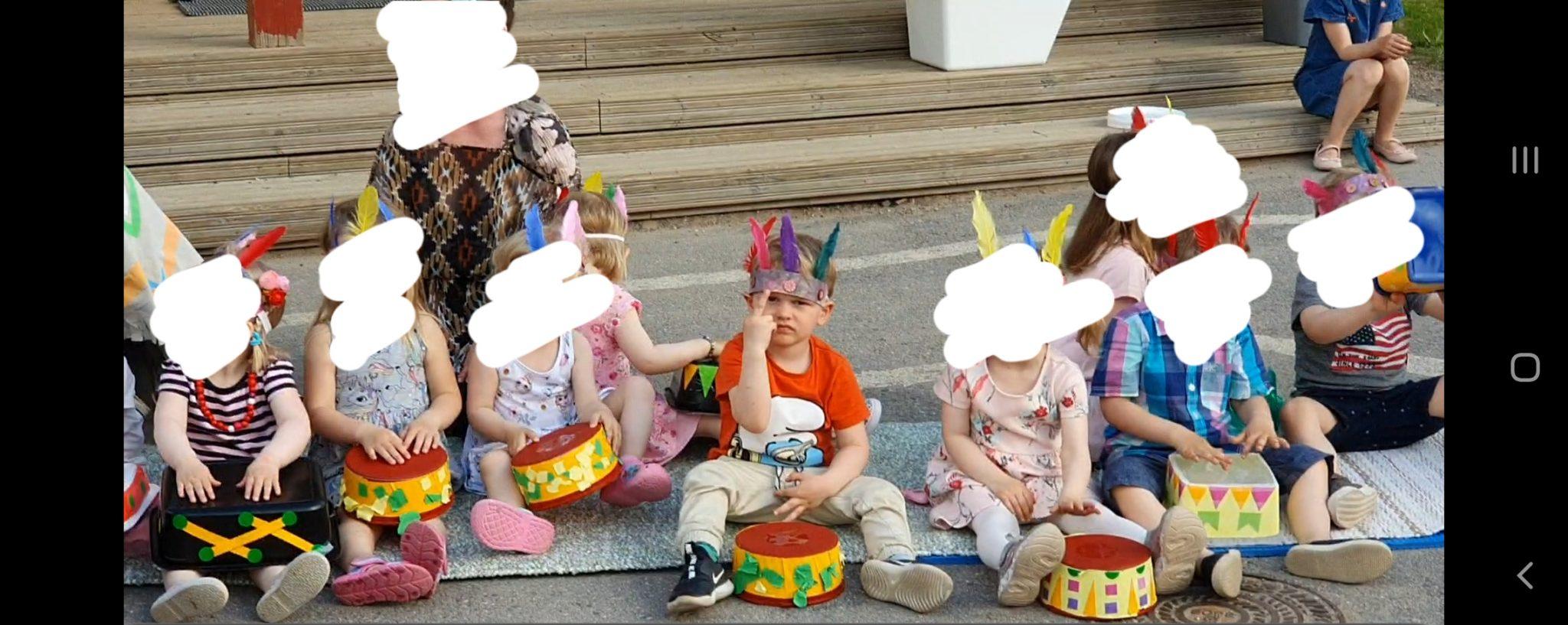 kevätjuhla lapsi