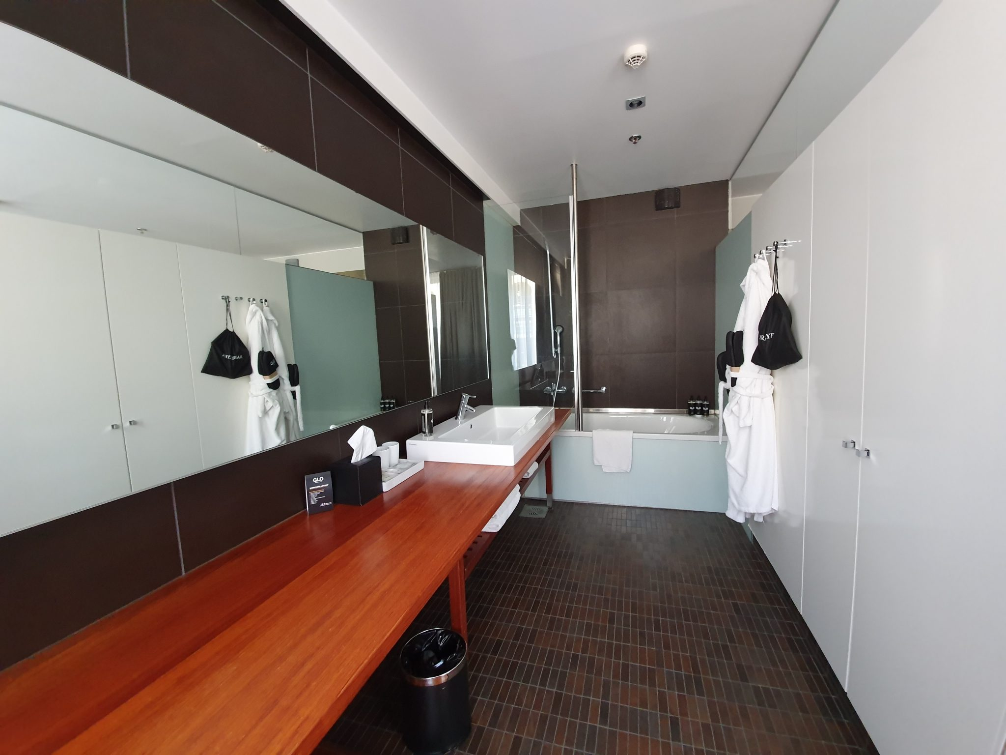GLO kylpyhuone